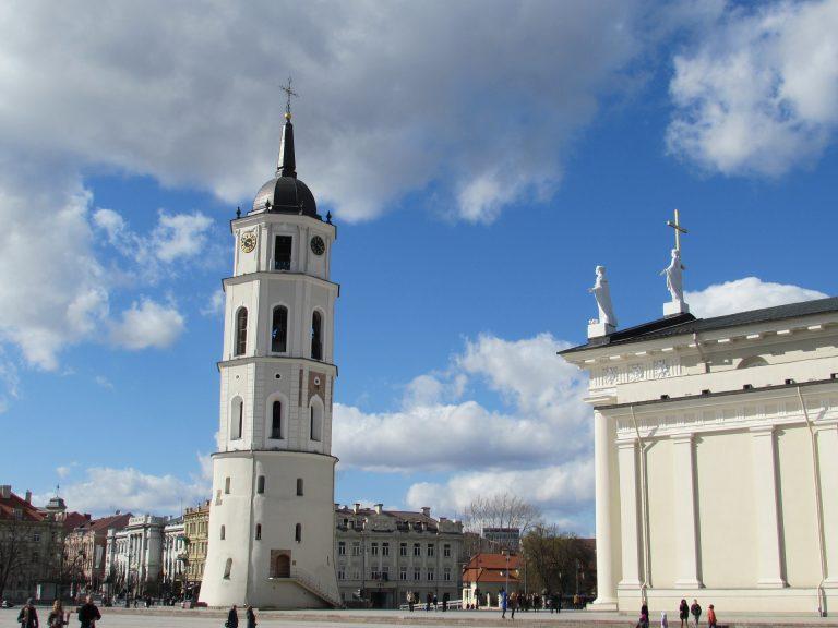 Vilnijus cathedral-773604_1920